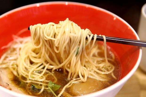 Món mì Nhật Bản đầu tiên trên thế giới được nhận sao Michelin lại có giá rẻ bất ngờ - Ảnh 5.