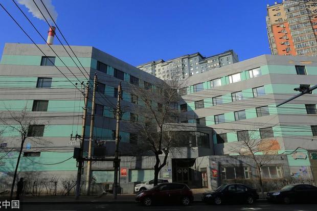 Những tòa nhà mỏng tang như giấy cộp mác Trung Quốc chấp hết các công trình ấn tượng trên thế giới - Ảnh 1.