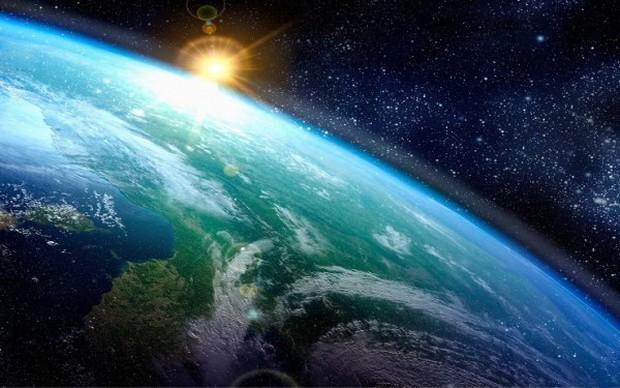Phát biểu gây sốc của hơn 500 chuyên gia: Trái Đất là một chiếc đĩa bay trôi nổi trong vũ trụ - Ảnh 3.