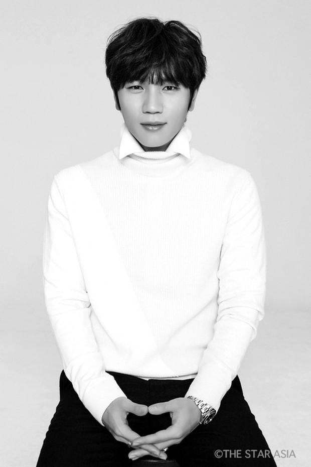 Kpop có những ông chú cứ mỗi lần lên sàn là làm lớp idol trẻ ngao ngán - Ảnh 9.