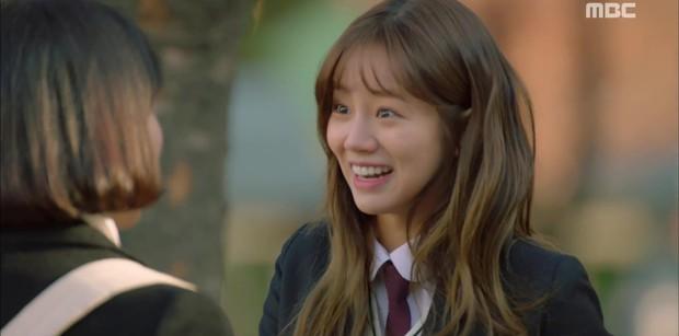 Two Cops: Bị túm tóc đánh ghen, vì đâu mà Hyeri vẫn... cười toe toét? - Ảnh 4.