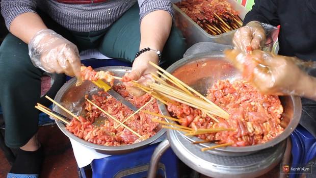 Có một thiên đường thịt xiên ở Hà Nội vừa ngon vừa rẻ bán cả ngày - Ảnh 6.