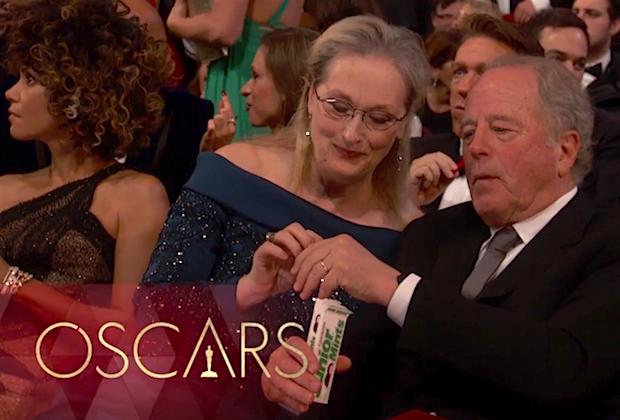 Những khoảnh khắc làm nên một Lễ trao giải Oscar đáng nhớ nhất trong lịch sử! - Ảnh 25.