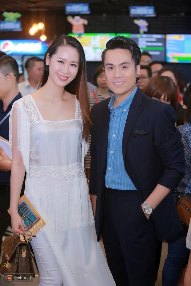 Mặc trời nóng, Đàm Vĩnh Hưng và Dương Triệu Vũ vẫn ra Hà Nội ủng hộ phim của cháu gái - Ảnh 12.