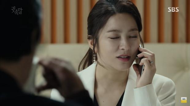 """""""Whisper"""": Lee Sang Yoon và vợ """"tình tứ"""" ngay trước mặt Lee Bo Young - Ảnh 21."""