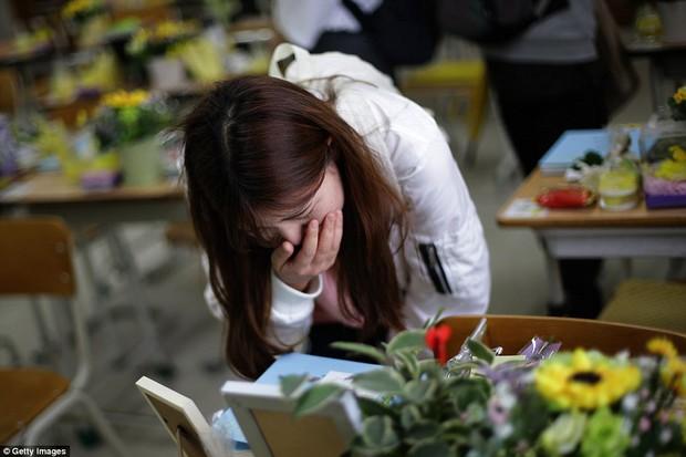 Bức ảnh tập thể lớp của các học sinh Hàn Quốc sau thảm kịch chìm phà Sewol khiến nhiều người rơi nước mắt - Ảnh 5.