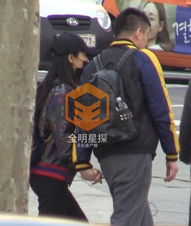 Phong Hành tung loạt ảnh Liễu Nham hẹn hò với đại gia giàu có - Ảnh 4.