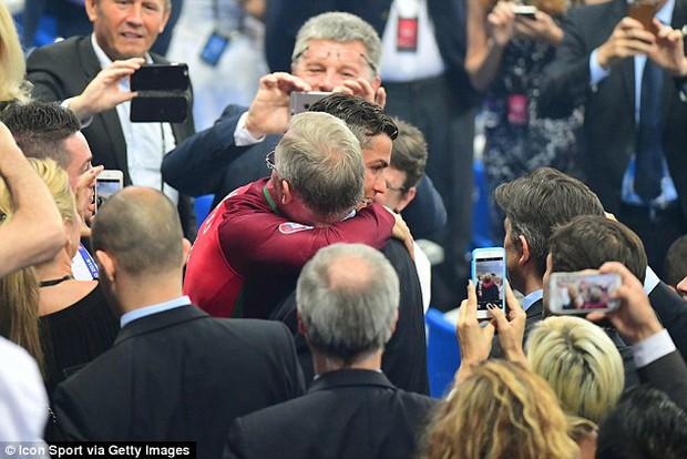 Tình thầy trò đáng ngưỡng mộ của Sir Alex Ferguson và Ronaldo - Ảnh 4.
