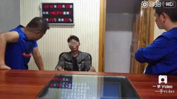Vụ án rúng động Trung Quốc: Nghịch tử giết chết cha mẹ vì xin tiền không được, hạ sát 17 hàng xóm để che giấu tội ác - Ảnh 1.