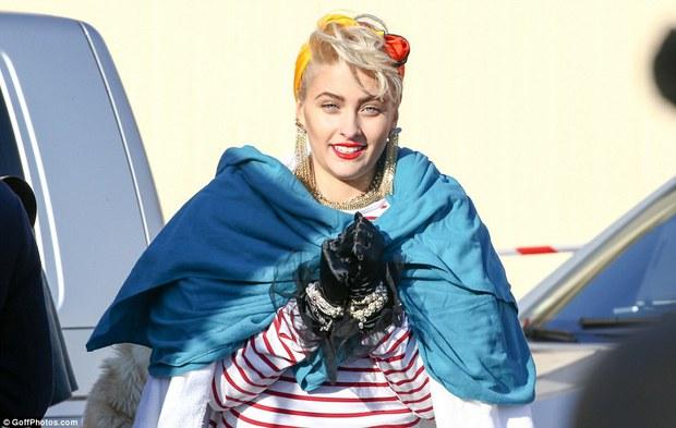 Con gái Michael Jackson đã 18 tuổi và xinh đẹp, quyến rũ y hệt Madonna thời trẻ - Ảnh 8.