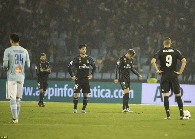 Ronaldo ghi bàn, Real vẫn bị loại khỏi Cúp Nhà vua - Ảnh 4.