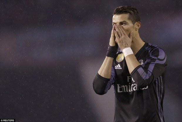 Ronaldo ghi bàn, Real vẫn bị loại khỏi Cúp Nhà vua - Ảnh 3.