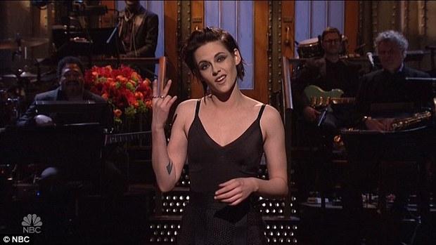 Kristen Stewart khỏa thân hôn phụ nữ và thừa nhận là người đồng tính - Ảnh 7.