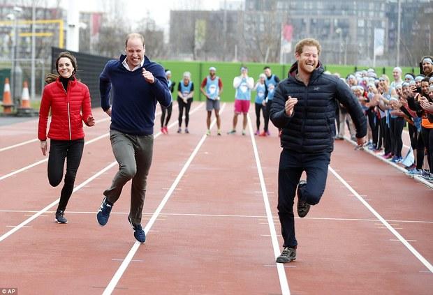 Hai hoàng tử đẹp trai nước Anh William và Harry chạy thi với công nương Kate, ai là người thắng cuộc? - Ảnh 3.
