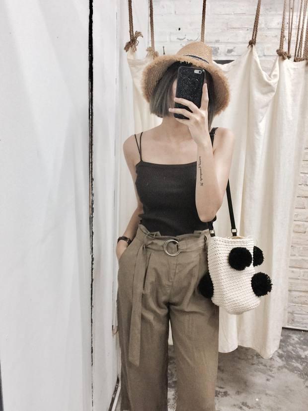 Áo 2 dây hè này có tới 5 kiểu, kiểu nào cũng mát và xinh hết cỡ bạn đã cập nhật hết chưa? - Ảnh 9.