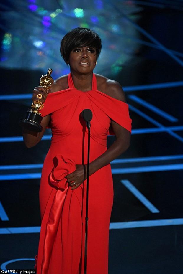 Viola Davis - Nữ minh tinh vừa thắng giải Oscar từng nghèo đến nỗi phải kiếm ăn trong thùng rác - Ảnh 1.