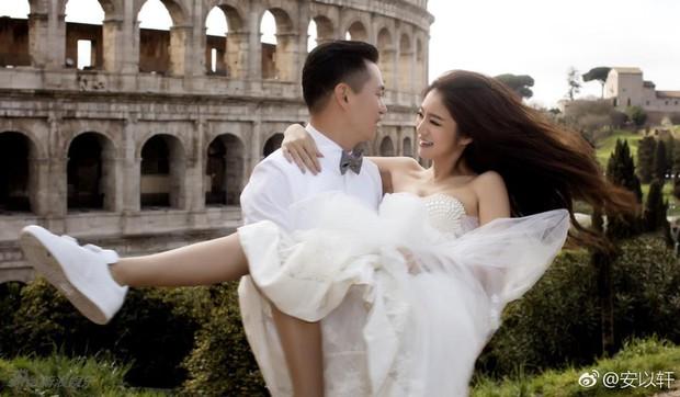 Sở hữu gia sản tỷ đô, bạn trai đại gia lại cầu hôn An Dĩ Hiên với nhẫn cưới làm từ... vỏ lon nước ngọt - Ảnh 1.