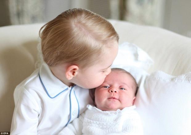 Công nương Kate được Hiệp Hội Nhiếp ảnh Hoàng Gia Anh khen ngợi vì những bức ảnh tuyệt đẹp - Ảnh 7.
