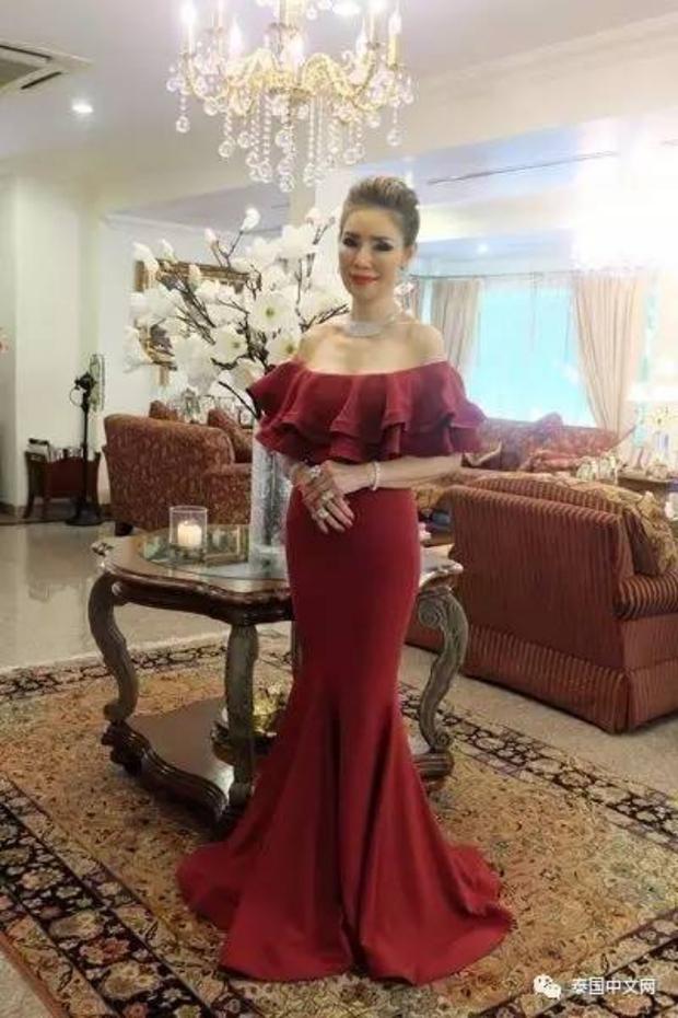 Cô bé Lọ Lem phiên bản già: 60 tuổi vẫn kiếm được chồng đại gia Dubai giàu nứt đố đổ vách - Ảnh 8.