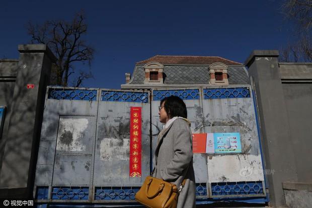 Ngôi nhà ma gây bao nỗi ám ảnh giữa thủ đô Bắc Kinh được cho thuê với giá hơn 33 tỷ đồng/năm - Ảnh 9.