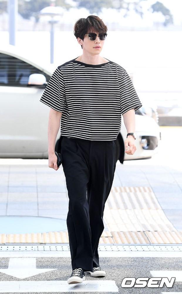 Có ai như Lee Dong Wook và Yoo In Na: Tình cờ gặp gỡ và biến sân bay thành sàn catwalk - Ảnh 10.
