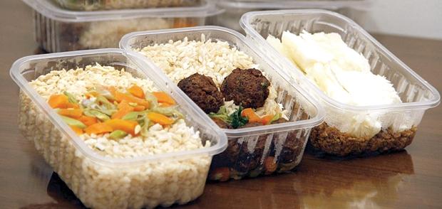 Nấu cơm mang đi làm, đi học, hãy tránh 5 điều sau để không gây hại sức khỏe - Ảnh 3.