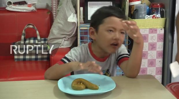 Mốt bây giờ là phải ăn thử món thạch phân giống bản thật như đúc - Ảnh 4.