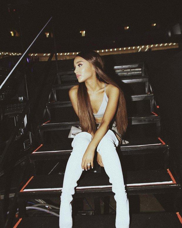Chưa kịp quay lại Việt Nam để đền bù hủy show, Ariana Grande đã chính thức khép lại tour diễn nhiều lùm xùm Dangerous Woman - Ảnh 2.