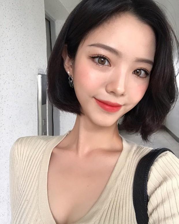Không phải beauty blogger nhưng 5 hot girl Hàn này vẫn được hội mê làm đẹp săn đón vì makeup cực long lanh - Ảnh 10.