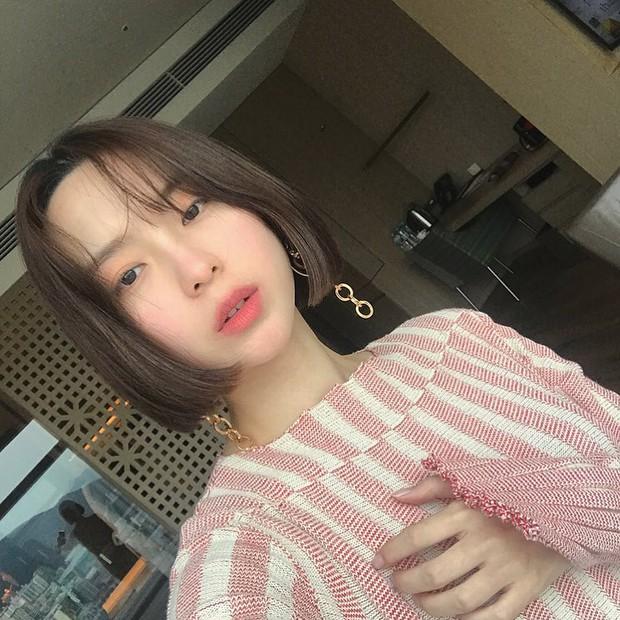 Không phải beauty blogger nhưng 5 hot girl Hàn này vẫn được hội mê làm đẹp săn đón vì makeup cực long lanh - Ảnh 25.