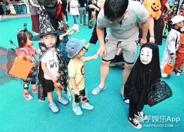 Sau màn hóa trang khiến người ta cười lăn lộn, cô bé Vô Diện nổi nhất dịp Halloween năm ngoái lại tái xuất rồi - Ảnh 3.