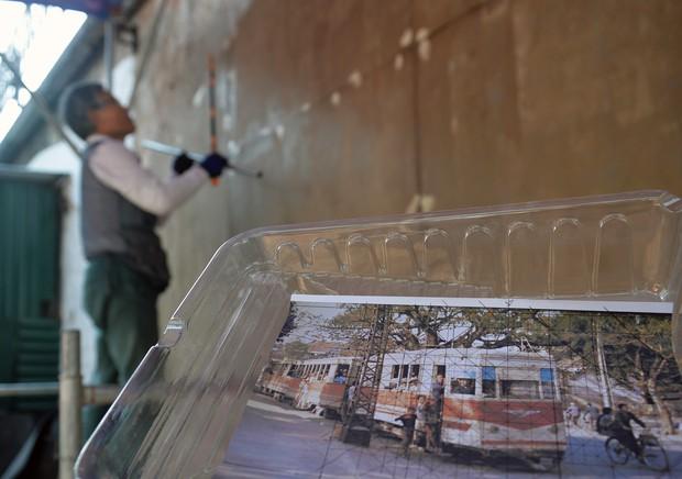 Hà Nội: Những bức bích họa đầu tiên được khai bút trên phố Phùng Hưng - Ảnh 4.