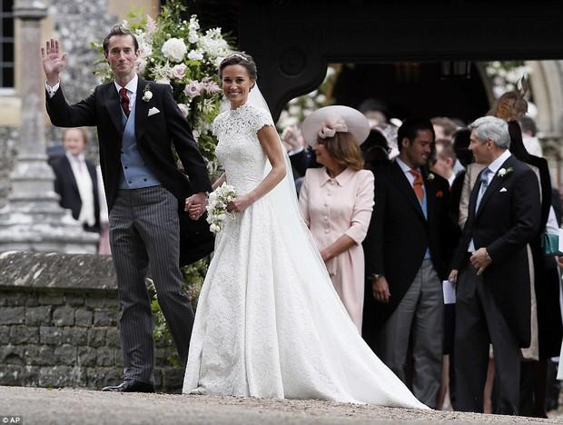 Hoàng tử nhí George và em gái cực đáng yêu trong vai trò phù dâu cho dì Pippa Middleton - Ảnh 10.