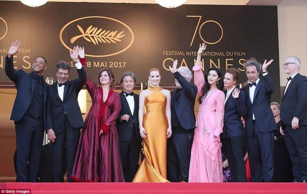 Phạm Băng Băng gây thất vọng, bị Elle Fanning dìm hàng toàn tập tại Cannes! - Ảnh 5.