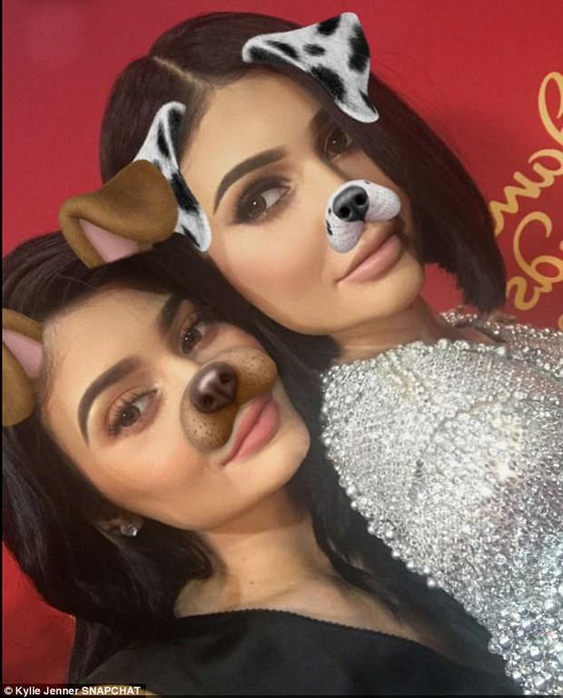 Kylie Jenner - cô em út nhà Kardashian với vẻ đẹp không góc chết - Ảnh 8.