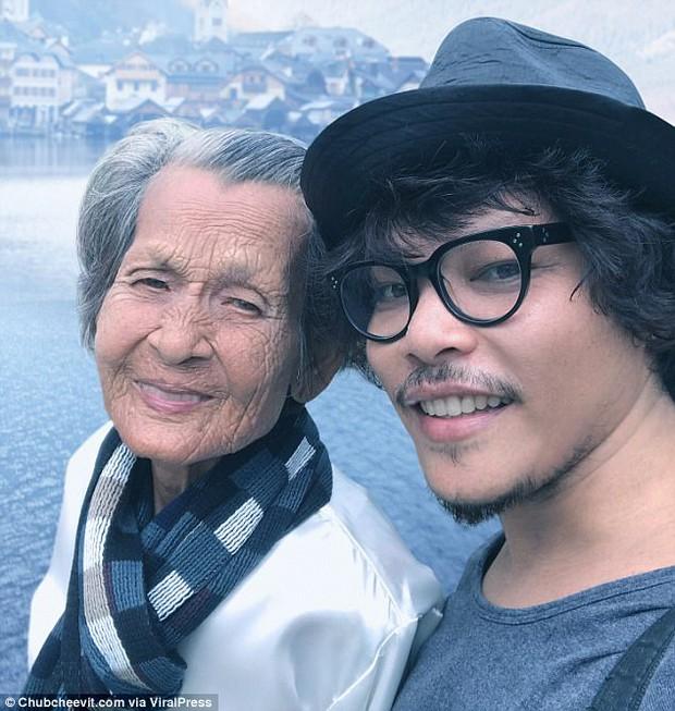 Nhiếp ảnh gia Thái Lan đưa mẹ đi du lịch vòng quanh thế giới bằng một cách rất cảm động - Ảnh 1.