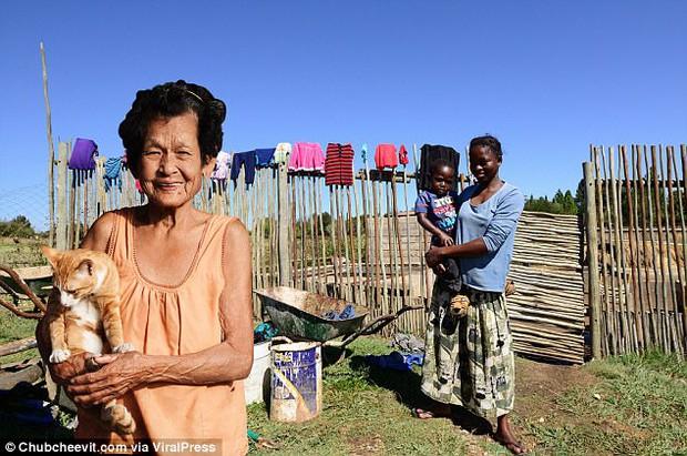 Nhiếp ảnh gia Thái Lan đưa mẹ đi du lịch vòng quanh thế giới bằng một cách rất cảm động - Ảnh 12.