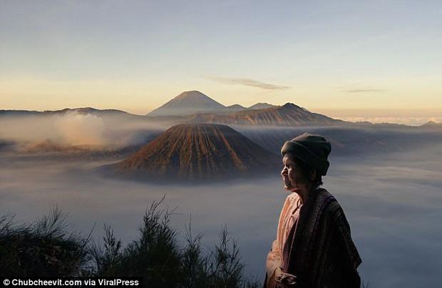 Nhiếp ảnh gia Thái Lan đưa mẹ đi du lịch vòng quanh thế giới bằng một cách rất cảm động - Ảnh 6.