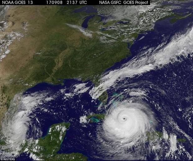 Florida vắng vẻ lạ thường trong cuộc sơ tán lớn nhất trong lịch sử Mỹ vì siêu bão quái vật Irma - Ảnh 2.