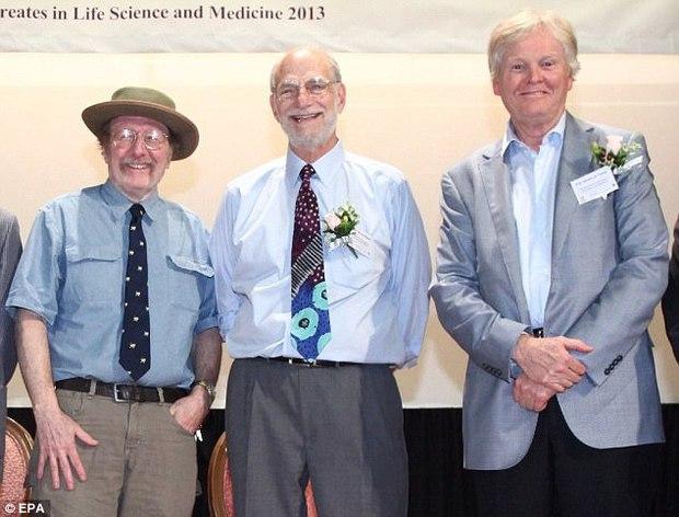 Giải Nobel Y học 2017 đã có chủ: Nghiên cứu Giải mã bí ẩn đồng hồ sinh học của tam tấu người Mỹ - Ảnh 1.