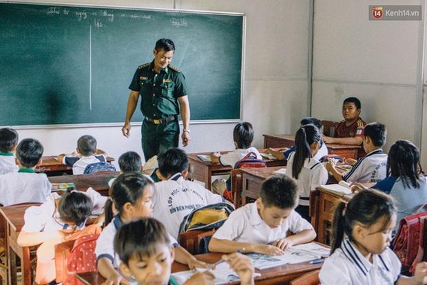 Humans Of Hanoi và chiến dịch gây quỹ nghĩa tình gửi đến những em học trò của thầy Trần Bình Phục - Ảnh 4.