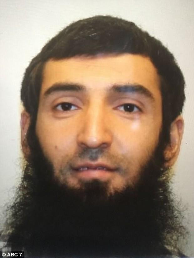 Chân dung nghi phạm vụ khủng bố lái xe tải đâm liên hoàn chết 8 người ở New York - Ảnh 1.