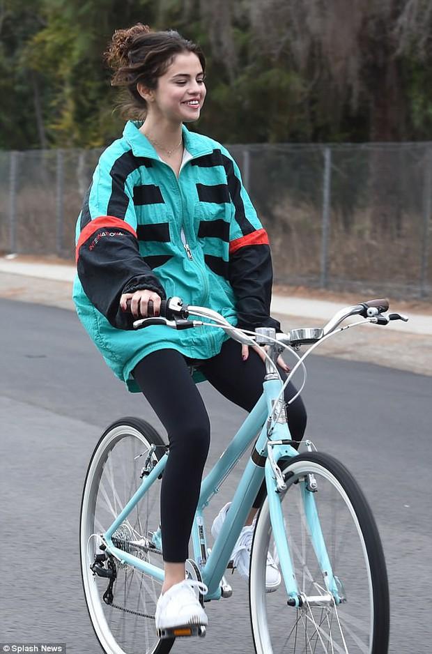 Justin Bieber bị bắt gặp qua đêm ở nhà Selena Gomez dù chỉ là bạn bè - Ảnh 7.