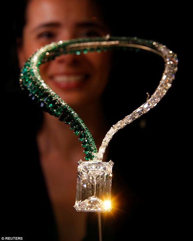 Trông bé thế thôi nhưng viên kim cương này có giá còn đắt hơn 200 căn hộ chung cư - Ảnh 1.