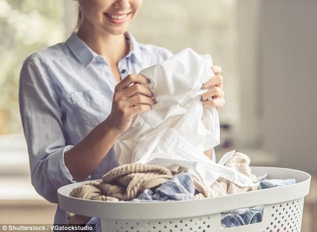 Tin mừng: Chăm rửa bát, giặt quần áo sẽ giúp phụ nữ sống thọ hơn - Ảnh 2.