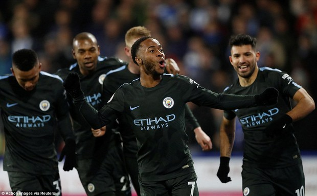 Man City ngược dòng thắng nghẹt thở, vẫn hơn Man Utd 8 điểm - Ảnh 3.