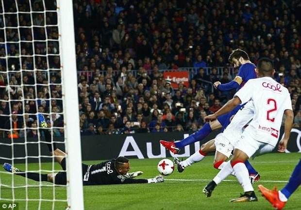 Pique nổ súng trong chiến thắng 5 sao của Barca - Ảnh 5.