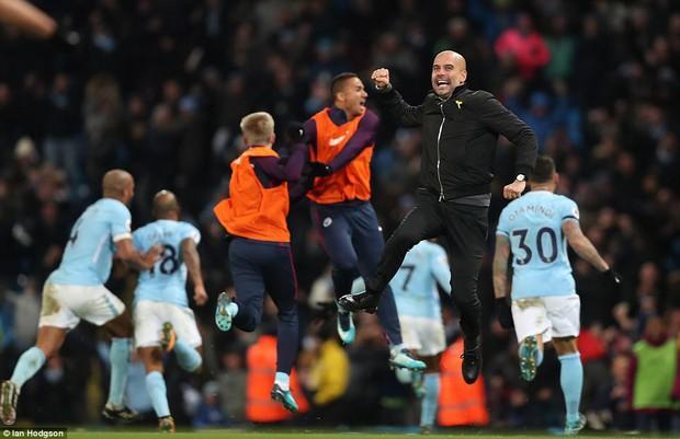 Man City thắng kịch tính phút bù giờ, lại hơn Man Utd 8 điểm - Ảnh 3.