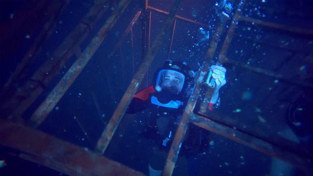 47 Meters Down - Cá mập và tình chị em nắm nem ba đồng - Ảnh 1.