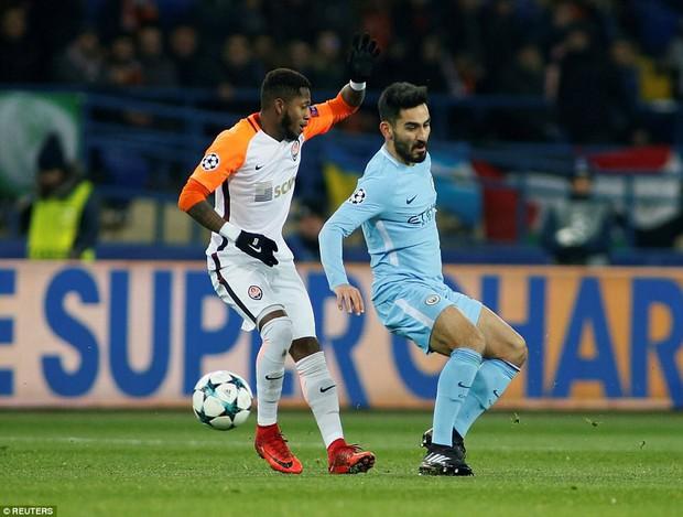 Man City bại trận ở Champions League trước derby thành Manchester - Ảnh 2.